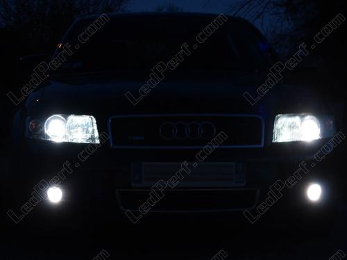 Pack Headlights Xenon Effect Bulbs For Audi A4 B6