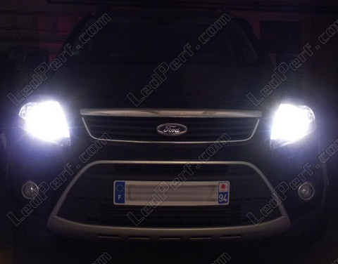 pack headlights xenon effect bulbs for ford kuga. Black Bedroom Furniture Sets. Home Design Ideas