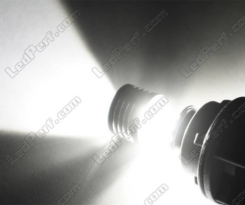 Clever H7 bulb with ultra white LED light