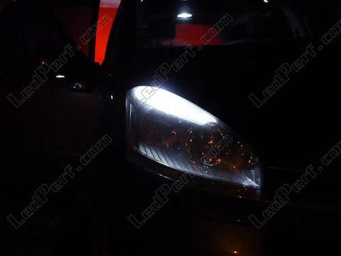 pack led sidelights for citroen c4 picasso parking lights. Black Bedroom Furniture Sets. Home Design Ideas