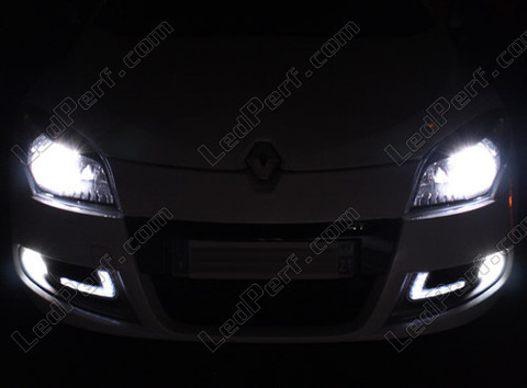 pack headlights xenon effect bulbs for renault megane 3. Black Bedroom Furniture Sets. Home Design Ideas
