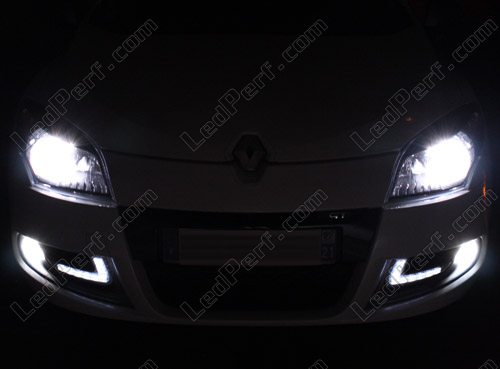 fce9a2ac5ccf8f Pack Headlights Xenon effect bulbs for Renault Megane 3
