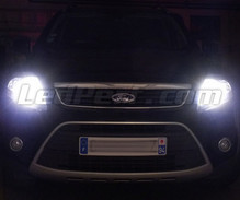Pack Xenon Effects headlight bulbs for Ford Kuga