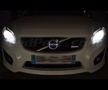 Pack Xenon Effects headlight bulbs for Volvo V50